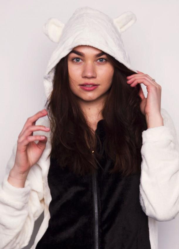 Šviesios spalvos pandos kostiumas moterims