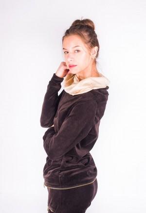 Gražūs ir elegantiški veliūriniai kostiumai rudos ir kreminės spalvos /> </a></div><div class=